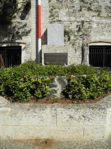 Kuba, Havanna, Denkmal Vermessung 2010