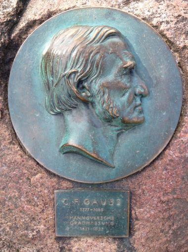 Wilseder_Berg_Gauss_Denkmal, 2016 (Foto: PT)